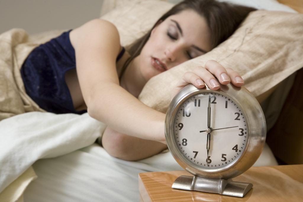 Как полноценно выспаться и избавиться от бессонницы?