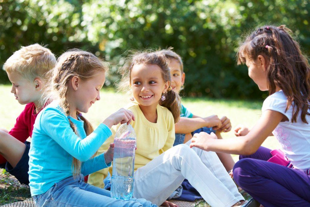 Как научить ребёнка общению со сверстниками?