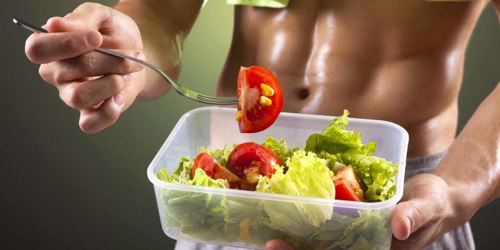 Как правильно питаться во время тренировок?