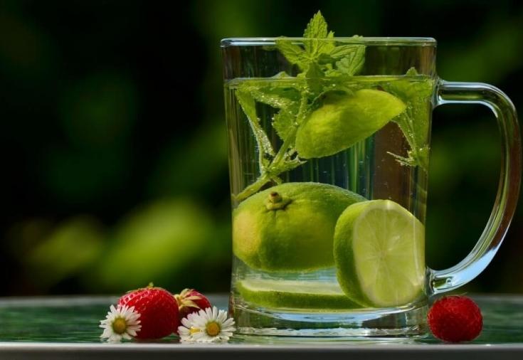 Улучшение пищеварения при помощи обычной воды