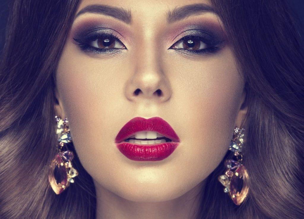 5 полезных советов по макияжу для экономии времени