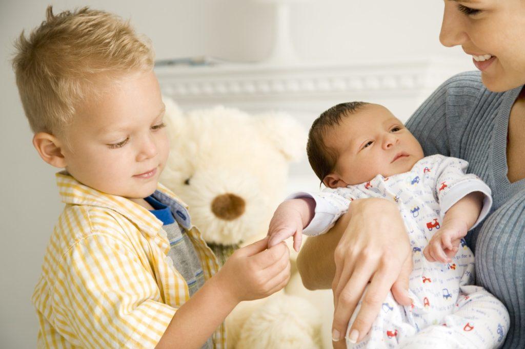 Какие важные рефлексы должны быть у детей в первые месяцы жизни?
